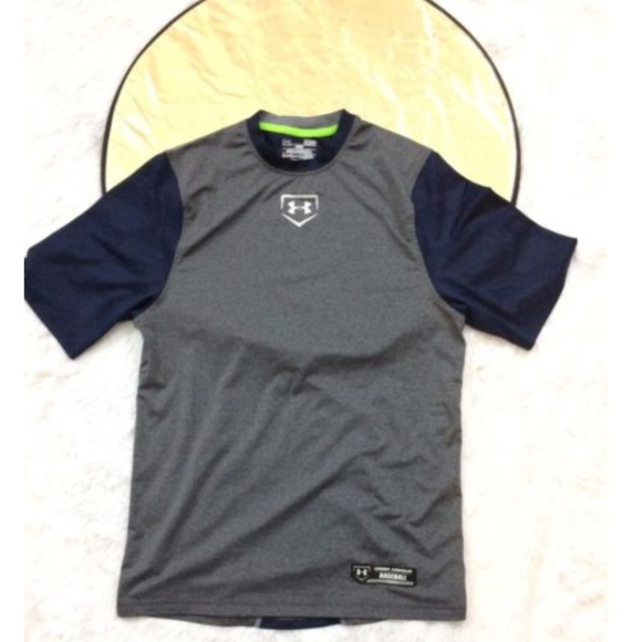Activewear Mens Under Armour Sports T-shirts Size S Men's Clothing
